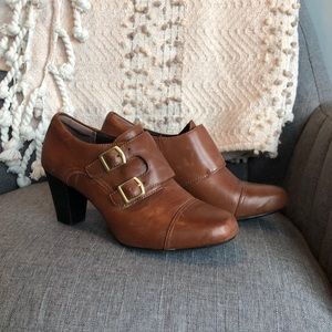 Clarks Leather Heeled Bootie with Buckle Brown 7.5